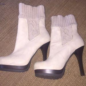 Jennifer Lopez super tall cream knit boots booties